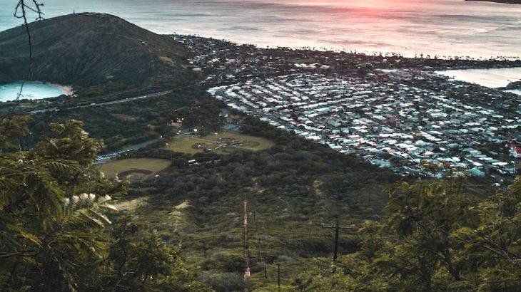 ハワイの大自然をトレッキング!絶景『ココ・クレーター』の魅力