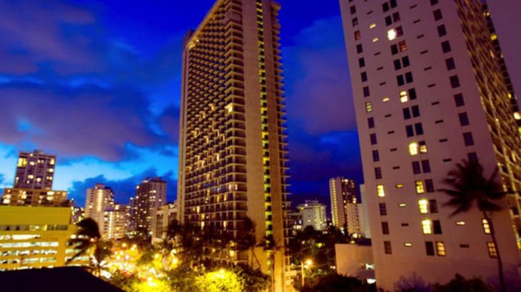 ワイキキビーチ目の前!大人気ホテル『ワイキキビーチマリオットリゾート&スパ』