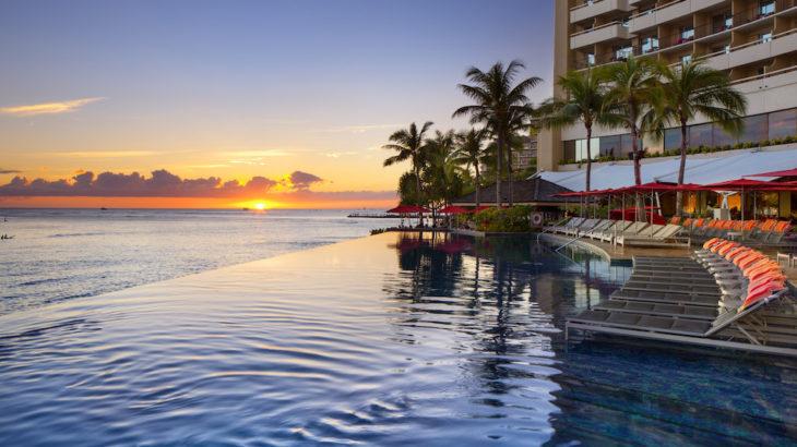 【最新ハワイ】贅沢インフィニティプール!世界でも人気の『シェラトンワイキキ』を徹底紹介!