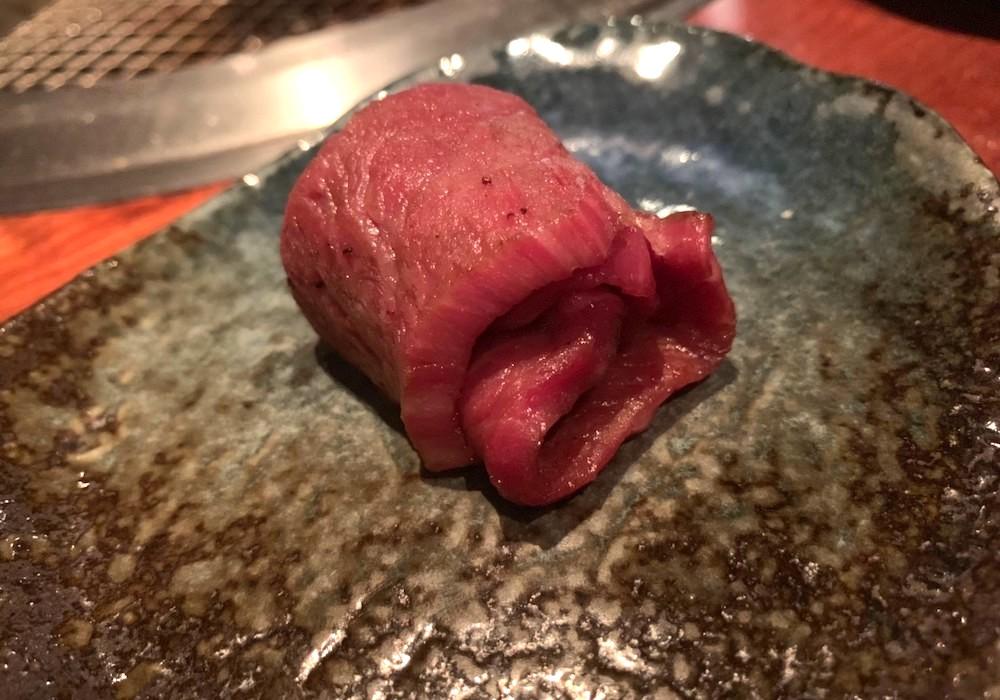 よろにくのお肉