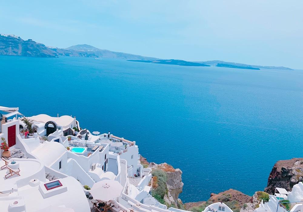 サントリーニ島とエーゲ海