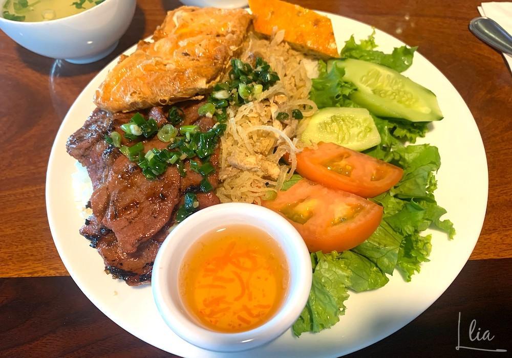 ハワイのフォーサイゴンで食べるスペシャルコンボ