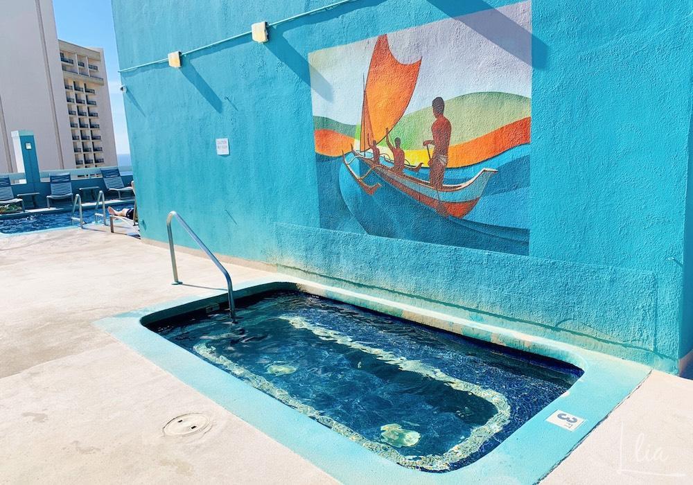 パシフィックモナークの屋上プール